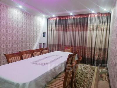 5-комнатный дом, 150 м², 8 сот., Аэропорт Бигельдинова 4А за 28 млн 〒 в Таразе