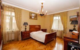 7-комнатный дом, 500 м², 13 сот., Шаляпина — Байкена Ашимова за 182 млн 〒 в Алматы