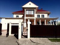 6-комнатный дом помесячно, 550 м², 20 сот.