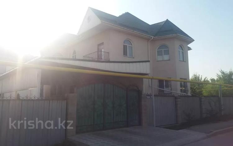 7-комнатный дом, 365 м², 6 сот., мкр Айгерим-2 за 70 млн 〒 в Алматы, Алатауский р-н