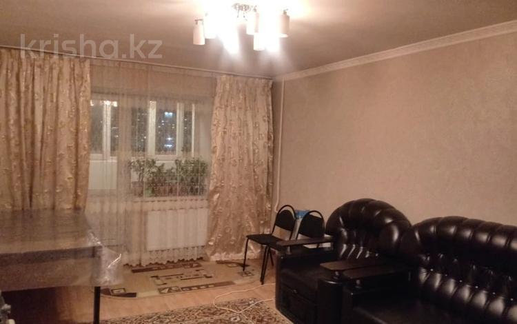 2-комнатная квартира, 60 м², 4/10 этаж, Кенена Азербаева 4 за 18 млн 〒 в Нур-Султане (Астана), Алматы р-н