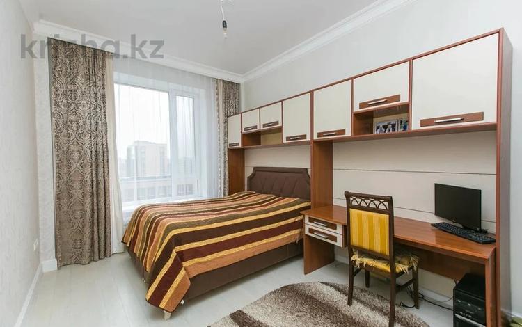 3-комнатная квартира, 86 м², 8/16 этаж, К. Мухамедханова 12 за ~ 40 млн 〒 в Нур-Султане (Астана), Есиль р-н