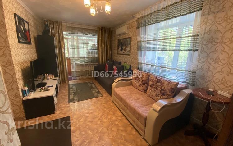 1-комнатная квартира, 32.6 м², 2/4 этаж, мкр Новый Город, Пичугина 245 за 13 млн 〒 в Караганде, Казыбек би р-н