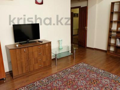 2-комнатная квартира, 65 м², 5/5 этаж посуточно, Байтурсынова 98/2 — проспект Абая за 10 995 〒 в Алматы, Бостандыкский р-н