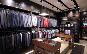 Магазин площадью 51.2 м², Абалхаил хана 84 за 370 000 〒 в Актобе, мкр 5