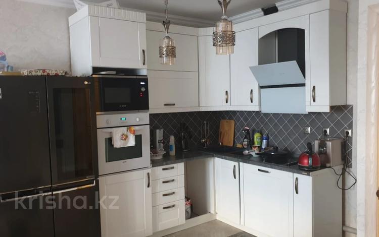 2-комнатная квартира, 75 м², 14/18 этаж, Брусиловского за 31 млн 〒 в Алматы, Алмалинский р-н