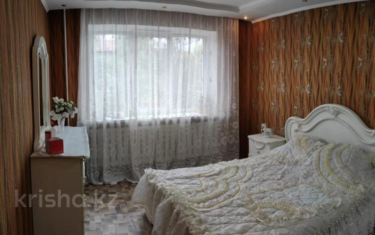 3-комнатная квартира, 61.5 м², 2/2 этаж, мкр Мамыр, Коржын за 20 млн 〒 в Алматы, Ауэзовский р-н