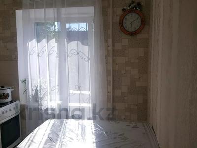 2-комнатная квартира, 45 м², 2/5 этаж поквартально, Махамбета 107 за 130 000 〒 в Атырау — фото 4
