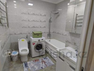 2-комнатная квартира, 94 м², 10/15 этаж, мкр Мамыр-3 — Шаляпина за 42 млн 〒 в Алматы, Ауэзовский р-н