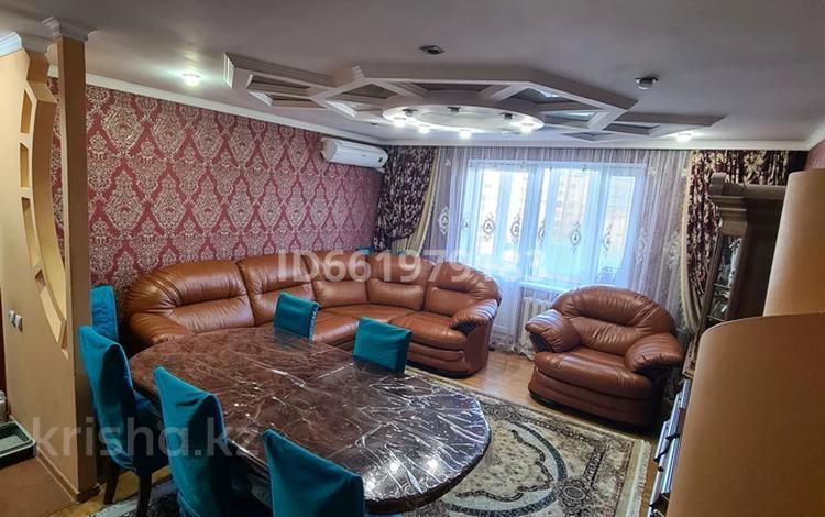 4-комнатная квартира, 80.3 м², 7/10 этаж, Каркаралинская улица 24 за 25 млн 〒 в Семее
