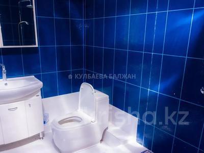 5-комнатный дом помесячно, 310 м², 12 сот., Аскарова за 1 млн 〒 в Алматы, Бостандыкский р-н — фото 14
