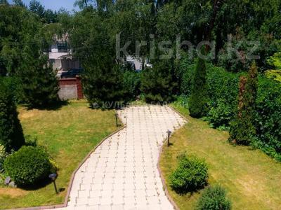 5-комнатный дом помесячно, 310 м², 12 сот., Аскарова за 1 млн 〒 в Алматы, Бостандыкский р-н — фото 9