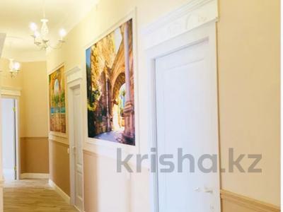 4-комнатная квартира, 130 м², 3/7 этаж, Шамши Калдаякова 4/1 за 78 млн 〒 в Нур-Султане (Астана), Есиль р-н — фото 9