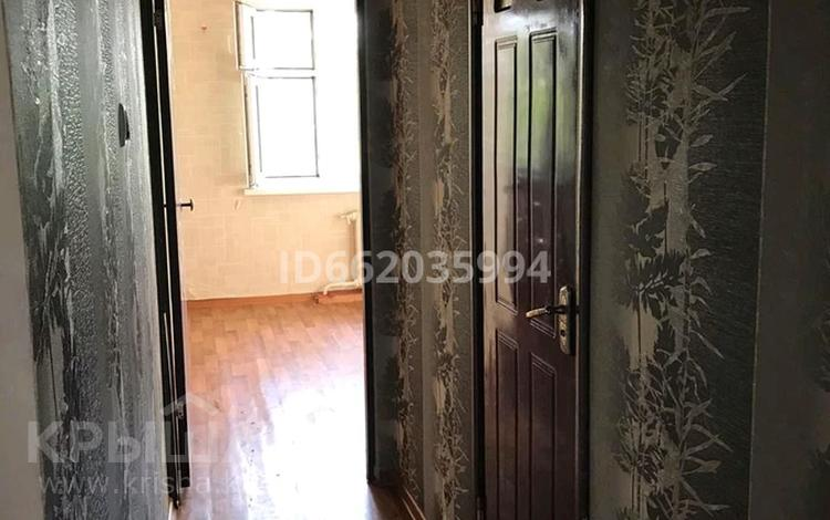 3-комнатная квартира, 70 м², 5/5 этаж помесячно, Акбулак 1 мкр 11 за 50 000 〒 в Таразе