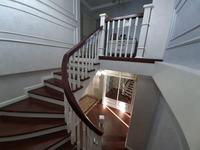 5-комнатная квартира, 165 м², 16/16 этаж помесячно