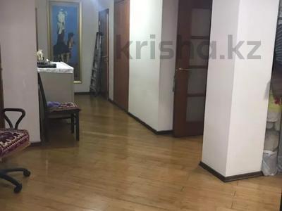 4-комнатная квартира, 146 м², 6/14 этаж, Гоголя за 72 млн 〒 в Алматы, Медеуский р-н — фото 18
