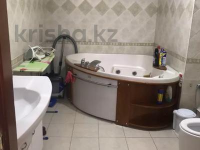 4-комнатная квартира, 146 м², 6/14 этаж, Гоголя за 72 млн 〒 в Алматы, Медеуский р-н — фото 27