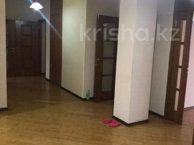 4-комнатная квартира, 146 м², 6/14 этаж, Гоголя за 72 млн 〒 в Алматы, Медеуский р-н — фото 8