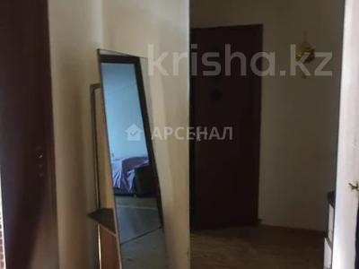 2-комнатная квартира, 52 м², 2/5 этаж, мкр Аксай-3Б, Мкр Аксай-3Б за 18.5 млн 〒 в Алматы, Ауэзовский р-н