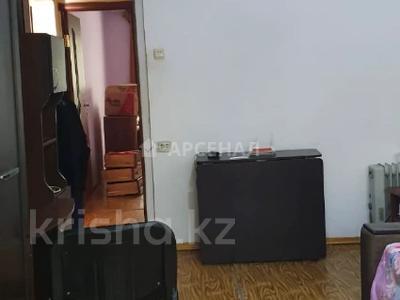 2-комнатная квартира, 52 м², 2/5 этаж, мкр Аксай-3Б, Мкр Аксай-3Б за 18.5 млн 〒 в Алматы, Ауэзовский р-н — фото 3