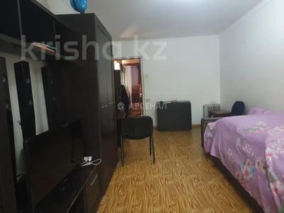 2-комнатная квартира, 52 м², 2/5 этаж, мкр Аксай-3Б, Мкр Аксай-3Б за 18.5 млн 〒 в Алматы, Ауэзовский р-н — фото 6