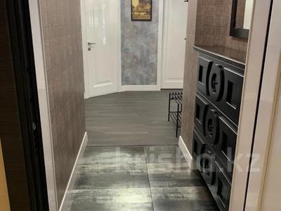 2-комнатная квартира, 91 м², 6 этаж на длительный срок, Омаровой за 750 000 〒 в Алматы, Медеуский р-н