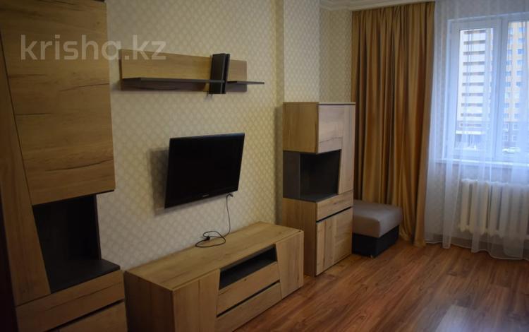 2-комнатная квартира, 60 м², 4/14 этаж помесячно, Сыганак 10 за 175 000 〒 в Нур-Султане (Астана), Есиль р-н