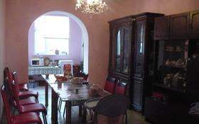 8-комнатный дом помесячно, 300 м², Каспий за 500 000 〒 в Атырау