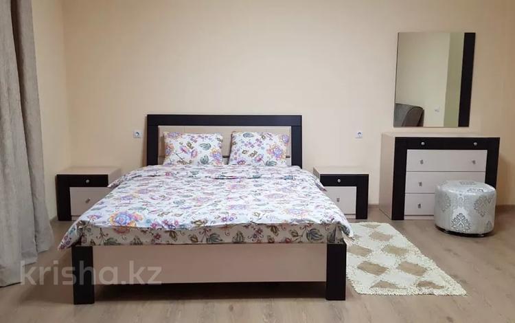 1-комнатная квартира, 60 м², 10/14 этаж посуточно, 17-й мкр 11 за 11 000 〒 в Актау, 17-й мкр
