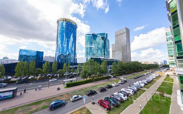 3-комнатная квартира, 114 м², 4/8 этаж, Достык 13/2 за 46 млн 〒 в Нур-Султане (Астана), Есиль р-н