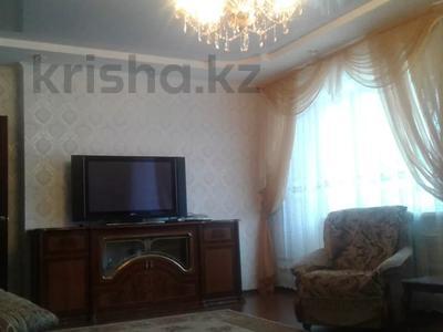 2-комнатная квартира, 90 м², 7/21 этаж помесячно, Кунаева 12 за 130 000 〒 в Нур-Султане (Астана), Есильский р-н