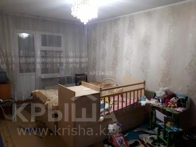 2-комнатная квартира, 50 м², 1/5 этаж, мкр Аксай-3А, Яссауи за 16.5 млн 〒 в Алматы, Ауэзовский р-н — фото 3