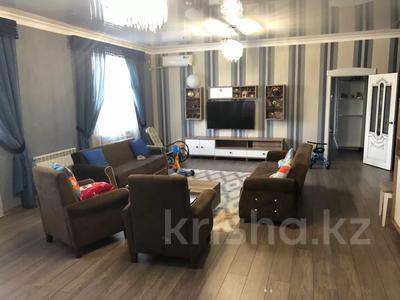 4-комнатная квартира, 191 м², 3/4 этаж, Гани Иляева 113 — Акпан Батыра за 45 млн 〒 в Шымкенте, Енбекшинский р-н