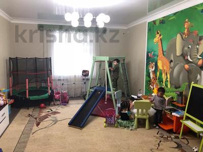 4-комнатная квартира, 191 м², 3/4 этаж, Гани Иляева 113 — Акпан Батыра за 45 млн 〒 в Шымкенте, Енбекшинский р-н — фото 3