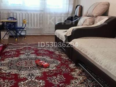 2-комнатная квартира, 44 м², 1/5 этаж, 15 мкр 62 за 5.5 млн 〒 в Экибастузе