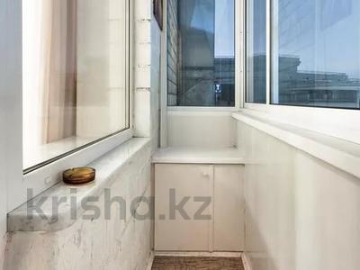 1-комнатная квартира, 42 м², 6/9 этаж посуточно, Кабанбай батыра 48 за 10 000 〒 в Нур-Султане (Астана), Есиль р-н — фото 3