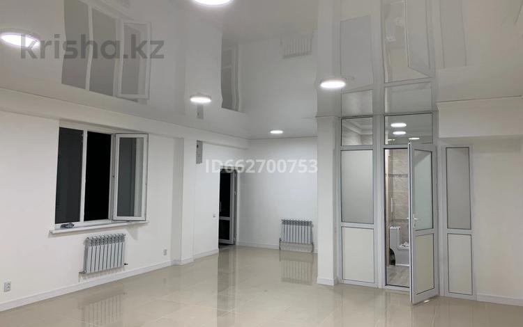 Магазин площадью 60 м², мкр Аксай-1 11/7 за 250 000 〒 в Алматы, Ауэзовский р-н