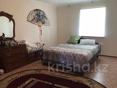 8-комнатный дом, 400 м², 0.098 сот., проспект Махамбета 2-а мкр 65 за 45 млн 〒 в Кульсары — фото 11