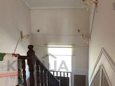 8-комнатный дом, 400 м², 0.098 сот., проспект Махамбета 2-а мкр 65 за 45 млн 〒 в Кульсары — фото 9