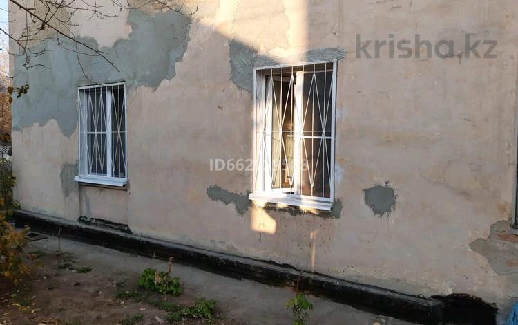 2-комнатная квартира, 62 м², 1/2 этаж, Темиржолшылар 110 за 9 млн 〒 в Усть-Каменогорске