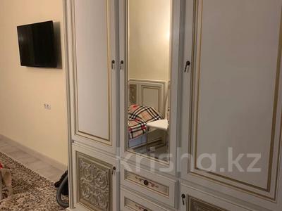 2-комнатная квартира, 77 м², 9/10 этаж посуточно, мкр №2 40г — Абая за 18 000 〒 в Алматы, Ауэзовский р-н