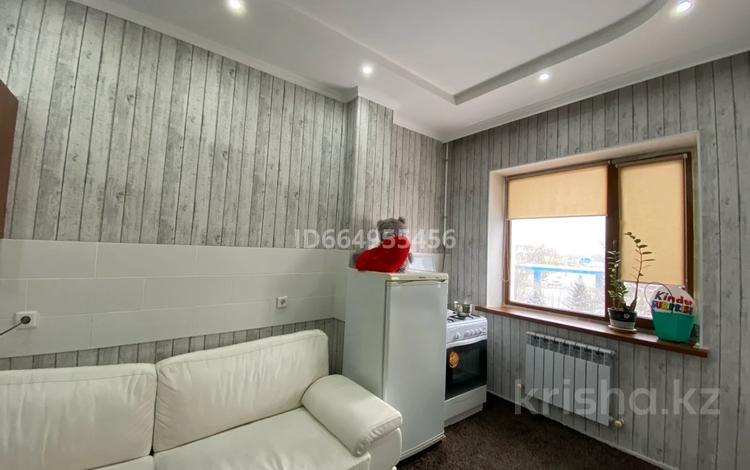 1-комнатная квартира, 70 м², 3/5 этаж, Молдагуловой 25 за 19 млн 〒 в Уральске