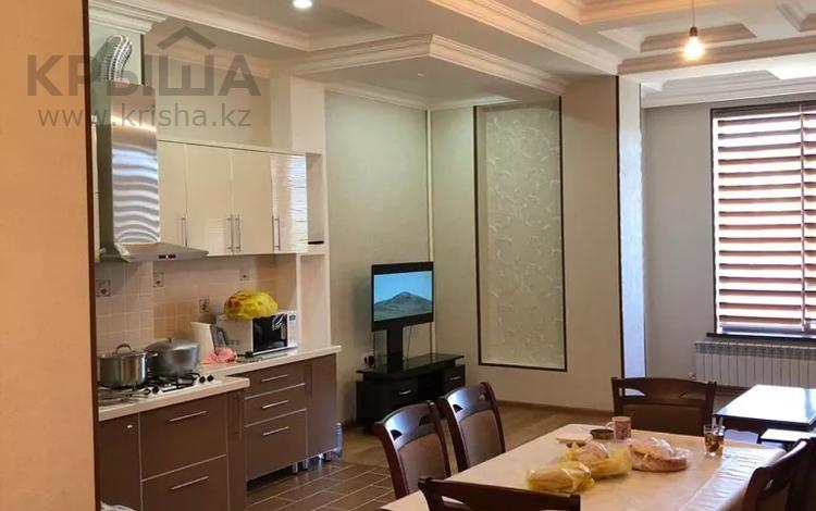 2-комнатная квартира, 117 м², 3/8 этаж, Дулати 111 за 51 млн 〒 в Шымкенте, Аль-Фарабийский р-н