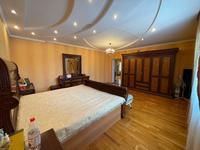 7-комнатный дом, 370 м², мкр Кунгей за 90 млн 〒 в Караганде, Казыбек би р-н