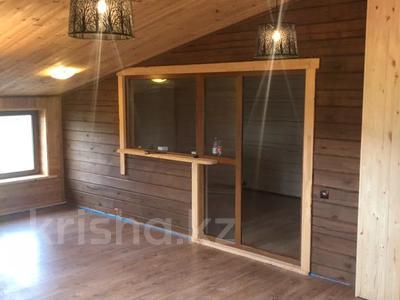 4-комнатный дом, 210 м², ул. Кизатова 11 — ул. Кирпичная за 29 млн 〒 в Петропавловске — фото 4