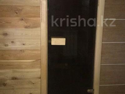 4-комнатный дом, 210 м², ул. Кизатова 11 — ул. Кирпичная за 29 млн 〒 в Петропавловске — фото 9