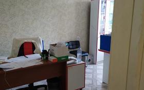 10-комнатный дом помесячно, 350 м², 5 сот., Мкр Чубары, Алпамыс батыра 3 за 550 000 〒 в Нур-Султане (Астана), Есиль р-н