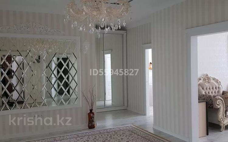 4-комнатная квартира, 140 м², 2/5 этаж, Район Батыс2 50Б за 45 млн 〒 в Актобе, мкр. Батыс-2