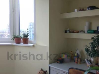 2-комнатная квартира, 63.5 м², 9/9 этаж, мкр Тастак-2 — Тлендиева за 24 млн 〒 в Алматы, Алмалинский р-н — фото 5
