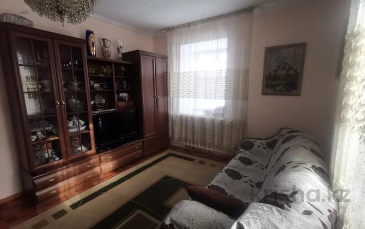 4-комнатный дом, 90 м², 5 сот., Кузнецова за 20.3 млн 〒 в Караганде, Казыбек би р-н